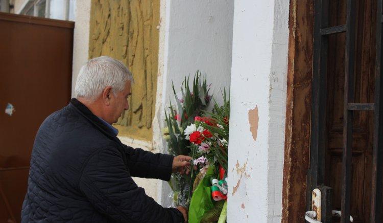 По инициатива на председателя на ОбС на БСП-Радомир Георги Георгиев се проведе автопоход до паметника на Войнишкото въстание