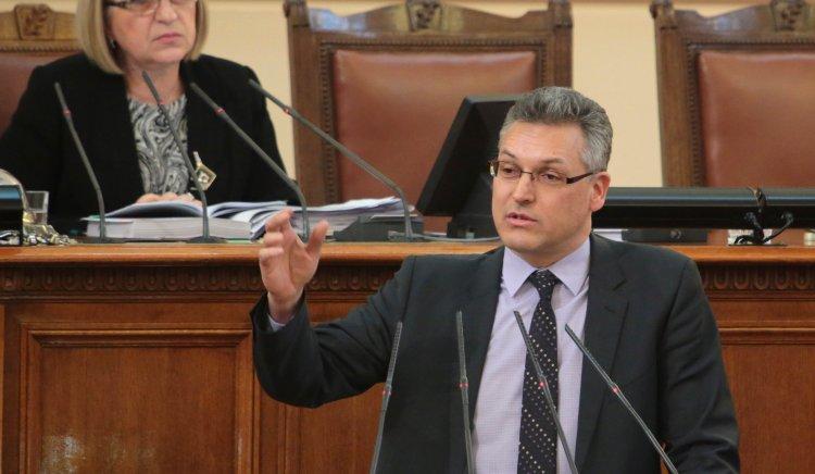Валери Жаблянов: Милитаризацията на страната не е въпрос, който трябва да бъде обсъждан в момента