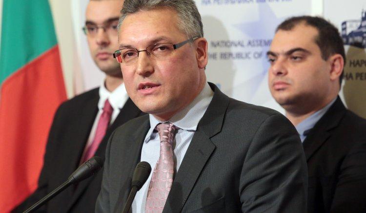 Валери Жаблянов: Кадиев даде възможност да се отворят амбразури за стрелба срещу партията